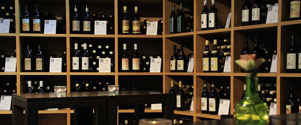 Arredamento enoteca vineria progettazione esecuzione for Arredamento enoteca wine bar