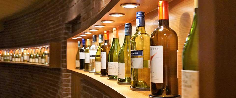 Arredamento Enoteca Vineria (5)