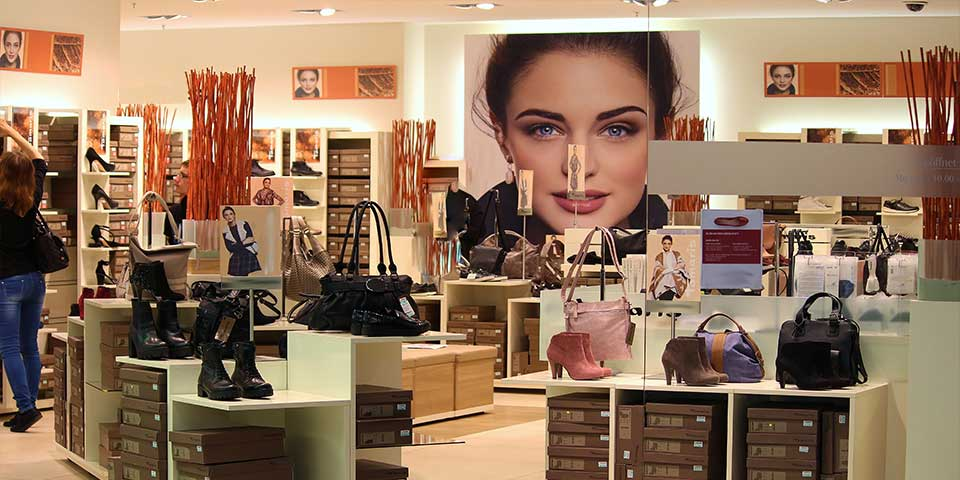 Arredamento per negozi retail (5)