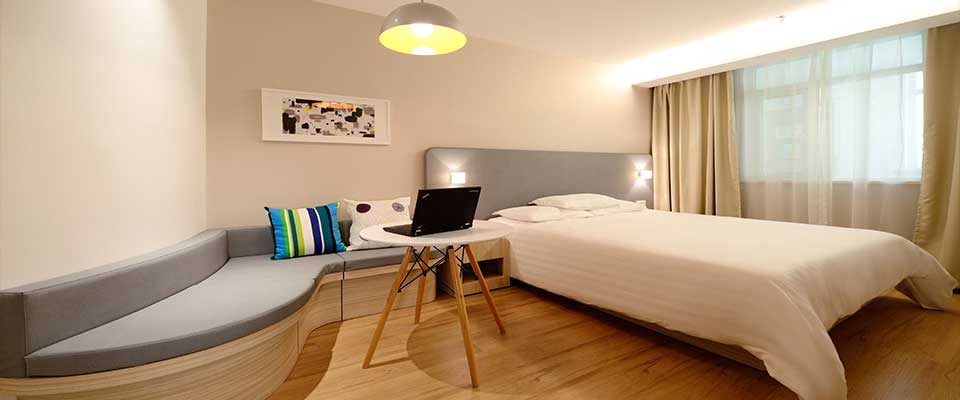 Arredamento hotel camera with arredamento bed and breakfast for Camere albergo design