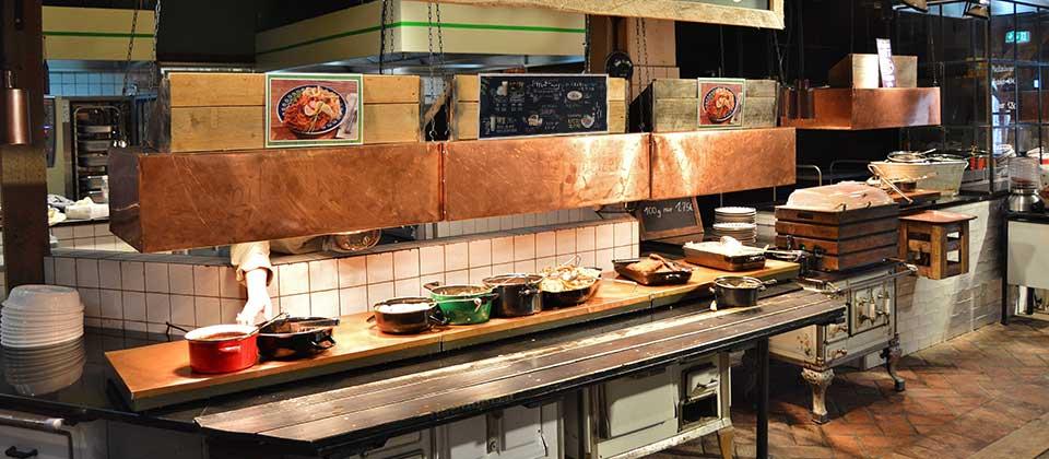 Arredamento tavola calda progettazione e arredamenti per for Arredare pizzeria